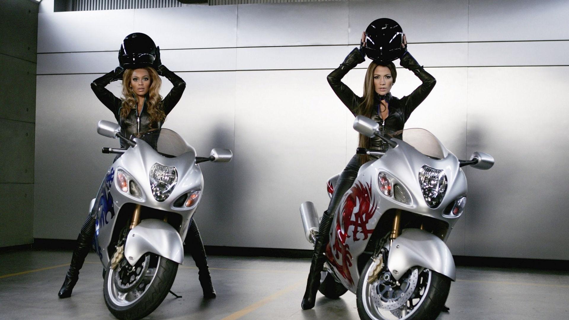 Сексуальные девочки на мотоциклах